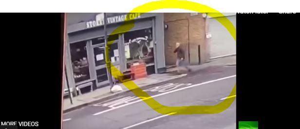 فيديو.. رجل محظوظ ينجو من الموت بأعجوبة