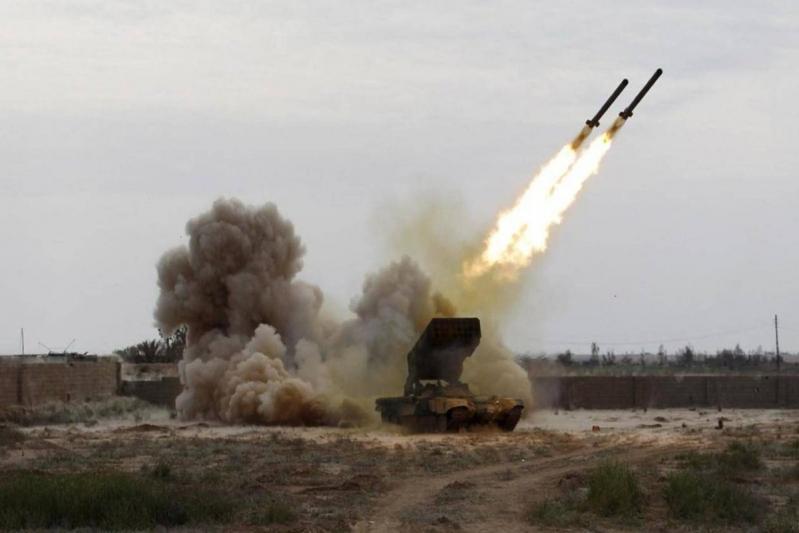 التحالف يستهدف معسكرًا تدريبيًا للانقلابيين في حجة بالصواريخ