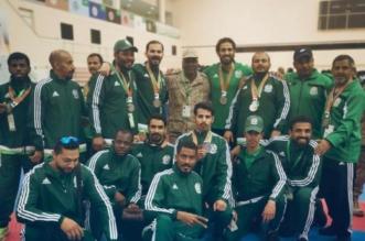 صور.. منتخب القوات البرية للكاراتيه يحقق المركز الثاني في دورة الألعاب الـ17 - المواطن