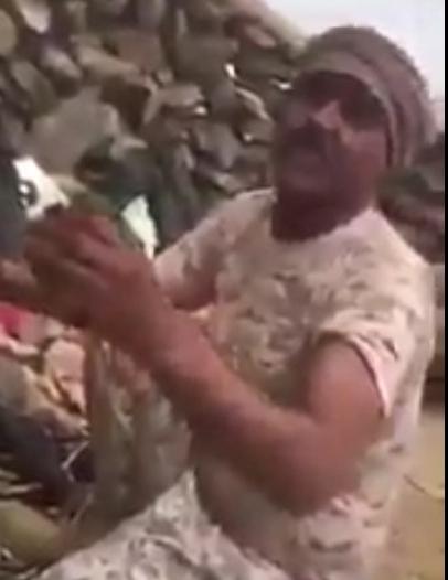 فيديو.. قصة بطل.. يقطر دماً ويمطر الأعداء بوابل من الرصاص بالحد الجنوبي