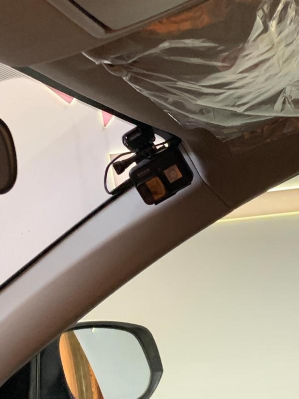 كاميرتان وأمر صوتي.. سيارة ذكية بتقنيات جديدة في مؤتمر السلامة المرورية - المواطن