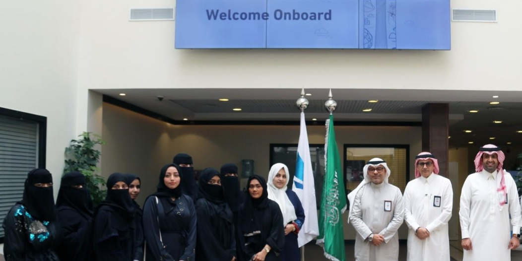 11 سعودية يبدأن العمل كأول مراقبات في مراكز المراقبة الجوية بالمملكة