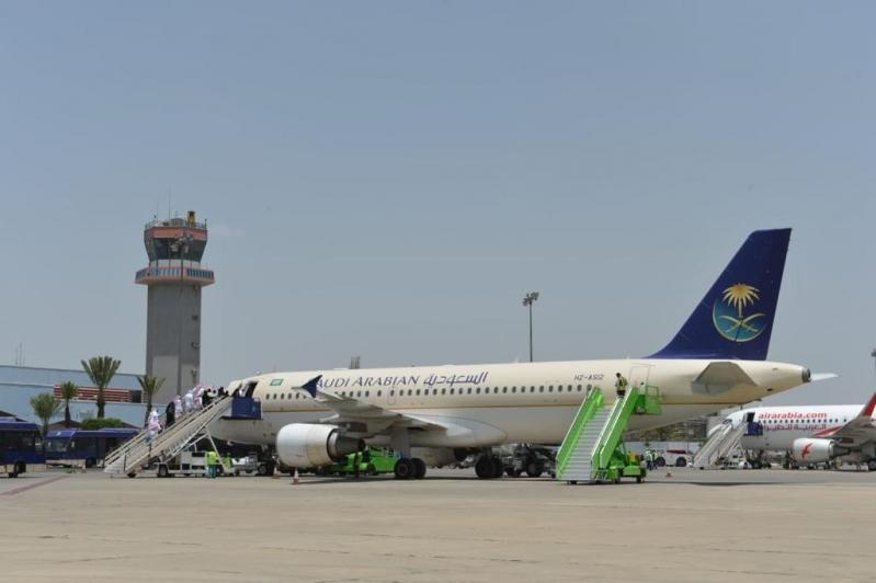 الطيران المدني: سيكون هناك مقعد شاغر بين الركاب في الطائرة