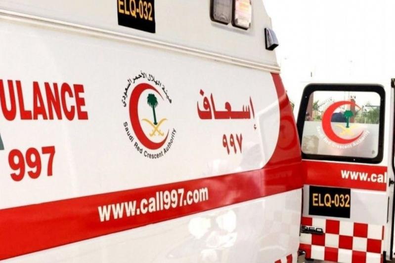 الهلال الأحمر طلب الدعم.. 4 وفيات و5 إصابات في تصادم مروع بطريق عفيف