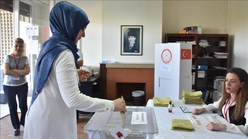 نجم جديد يهدد عرش أردوغان وينسف أسطورة الرجل الذي لا يُقهر