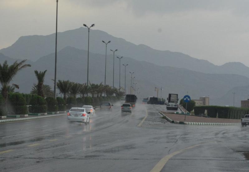 أمطار غزيرة على بعض محافظات عسير