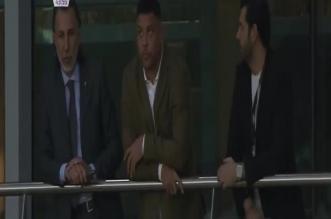 فيديو.. الظاهرة رونالدو يُتابع نهائي البطولة العربية - المواطن