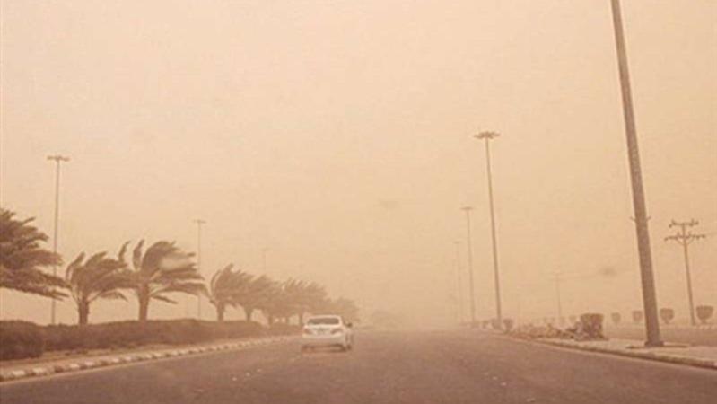 تقلبات جوية بنجران.. موجة غبار تحجب الرؤية والمدني يحذر الجميع