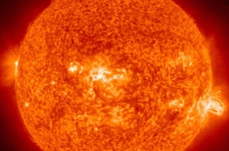 الأرض تنجو من انفجار مغناطيسي هائل على سطح الشمس - المواطن