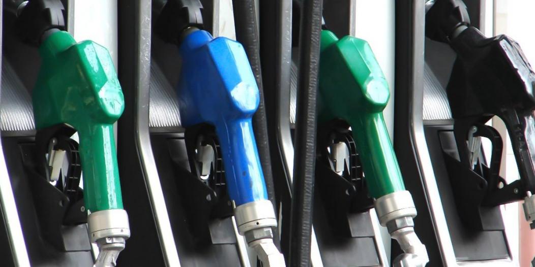 احذر المشكلات الخطيرة.. عند أي كمية وقود يجب إعادة تعبئة خزان السيارة؟
