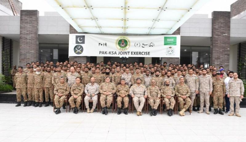 صور.. انطلاق فعاليات تمرين كاسح 2 بين القوات السعودية والباكستانية