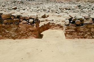 بمحراب وغرفتين.. استكمال أعمال التنقيب في ثالث مسجد مكتشف ببيشة - المواطن
