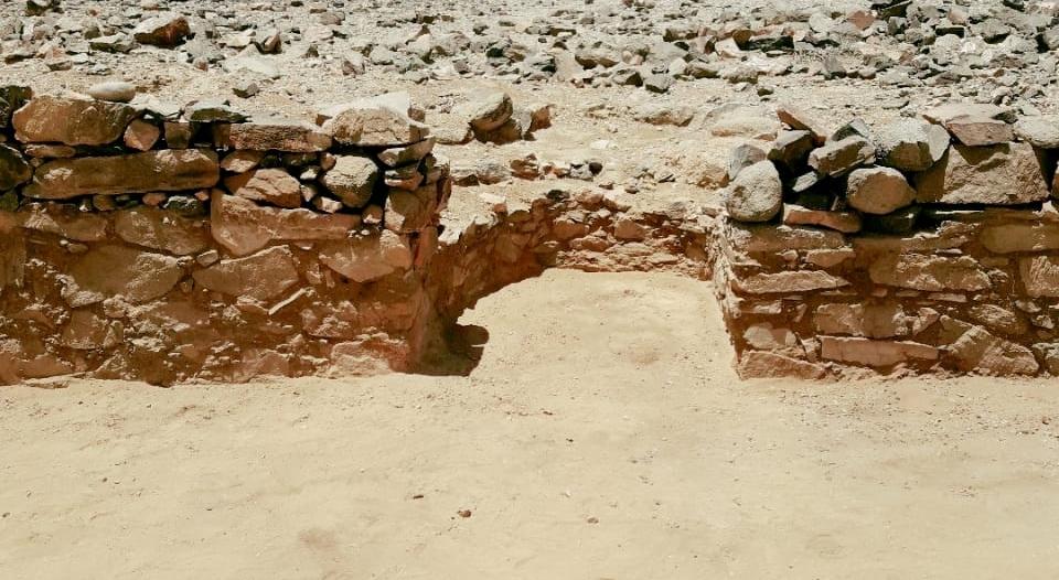 بمحراب وغرفتين.. استكمال أعمال التنقيب في ثالث مسجد مكتشف ببيشة