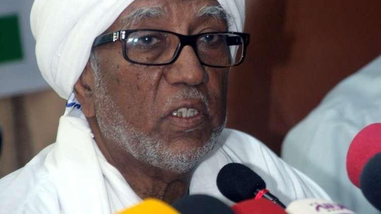 اعتقال رئيس البرلمان السوداني فور وصوله من قطر