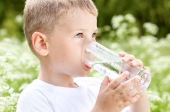لهذه الأسباب شجعوا أطفالكم على شرب الماء - المواطن