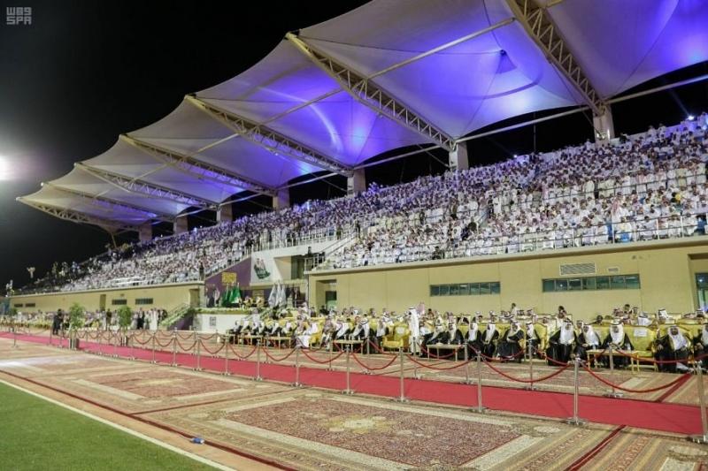 صور.. نائب أمير الشرقية يزف خريجي الدفعة الـ 40 من جامعة الإمام عبدالرحمن - المواطن