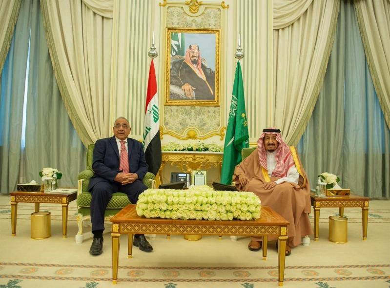 الملك سلمان يستعرض العلاقات الثنائية والقضايا الإقليمية مع رئيس وزراء العراق