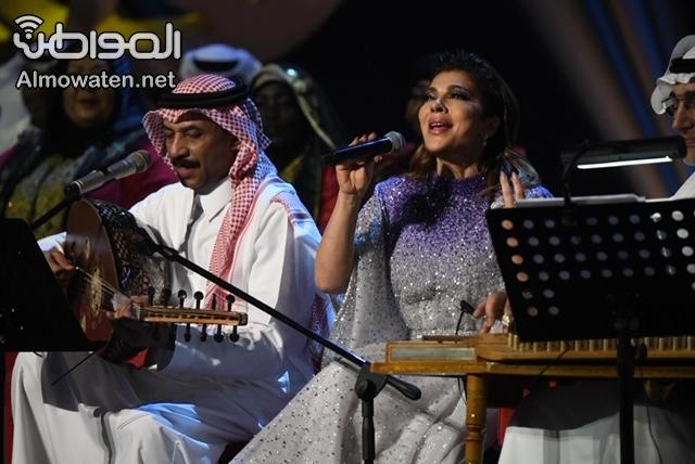 صور.. أصالة وعبادي لأول مرة معًا في جلسات الرياض باقة من أجمل الأغاني
