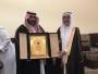 مدرسه عبدالله بن زيد تودّع المعلم آل محيا بمناسبه تقاعده