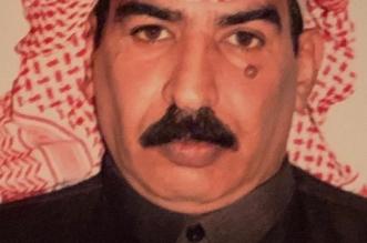 قصة مؤثرة.. دخل مكتب رفيق دربه المتوفى في إمارة الباحة فأصيب بنوبة قلبية - المواطن