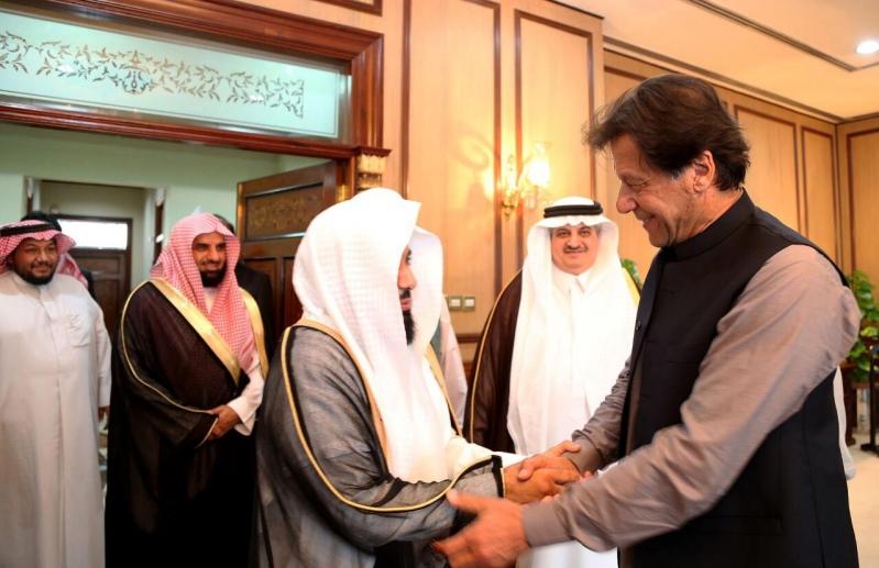 عمران خان: الأمير محمد بن سلمان محب لوطنه وشعبه ويذكرني بالملك فيصل