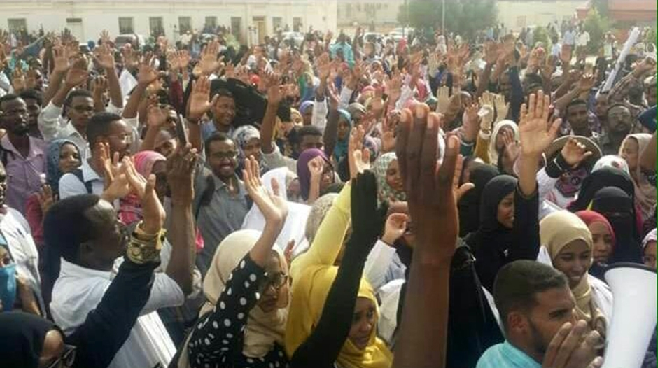 الاتحاد الإفريقي: طرفا الأزمة السودانية تسلما ورقة الوساطة لدراستها