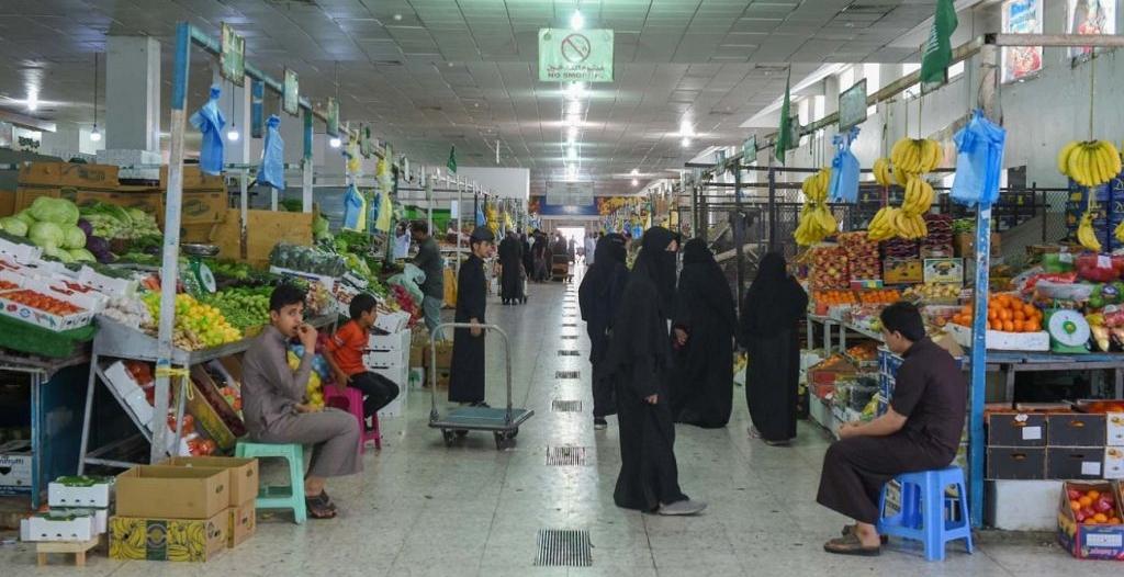 إقبال كبير على أسواق المدينة المنورة لشراء مستلزمات رمضان
