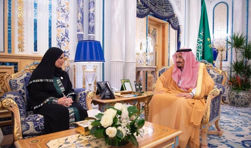 الملك سلمان يستعرض العلاقات مع رئيسة المجلس الوطني الاتحادي الإماراتي