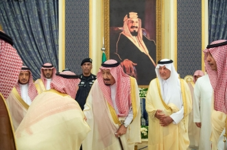 أمراء وعلماء ووزراء على مائدة سحور الملك سلمان - المواطن