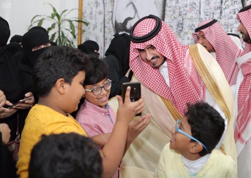 لقطات مؤثرة من زيارة بدر بن سلطان لمركز الملك عبدالله لرعاية الأطفال المعوقين
