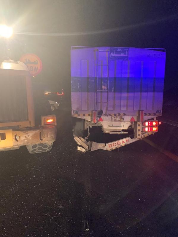وفاتان و 5 إصابات من عائلة واحدة بحادث تصادم على طريق السيل ـ الطائف