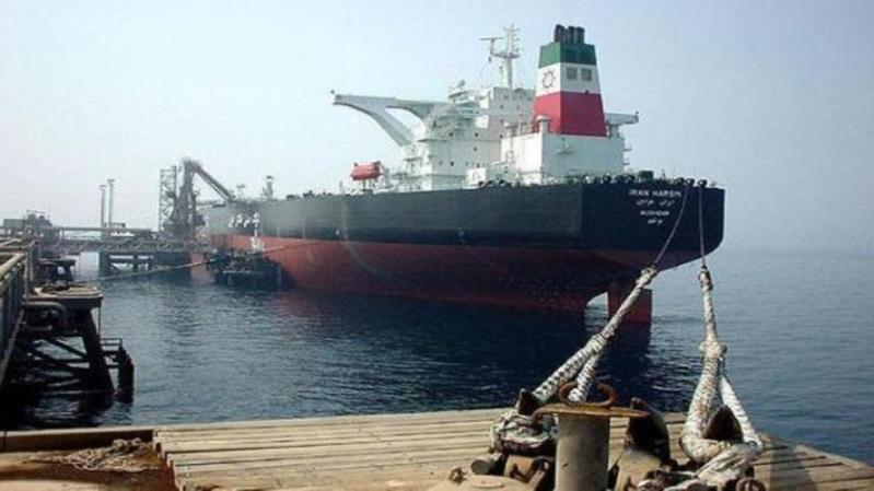 """خبير عالمي يكشف لـ""""المواطن"""" طرق إيران الملتوية لتهريب النفط"""