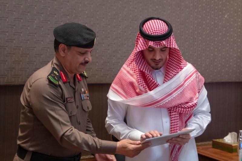 وزير الداخلية يدشن مبادرة فُرِجَت لمساعدة المحكومين بقضايا مالية