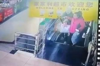 فيديو.. لحظة تحطم سلم كهربائي بمركز تجاري - المواطن