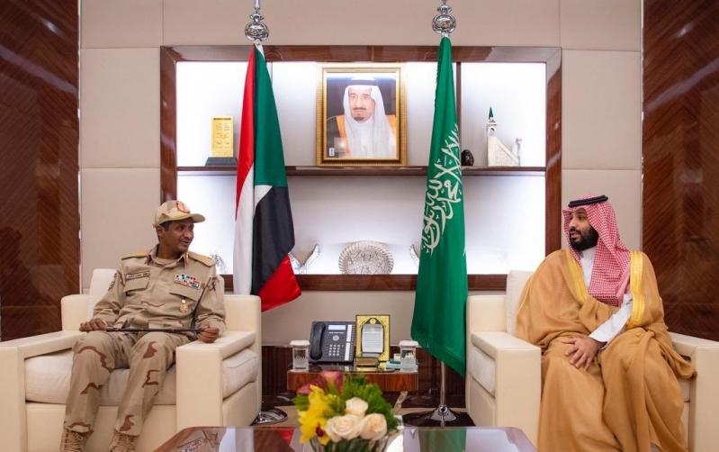ولي العهد يلتقي نائب رئيس المجلس الانتقالي السوداني