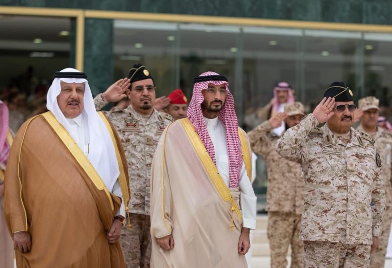 جريدة الرياض قائد كلية الملك خالد العسكرية يقلد الرميان رتبة لواء