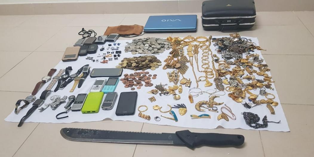 القبض على تشكيل عصابي ارتكب 14 جريمة سرقة داخل جدة