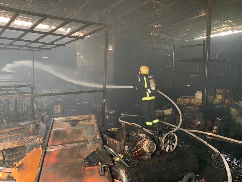 التماس يحرق مستودع إسفنج وأخشاب في نجران - المواطن