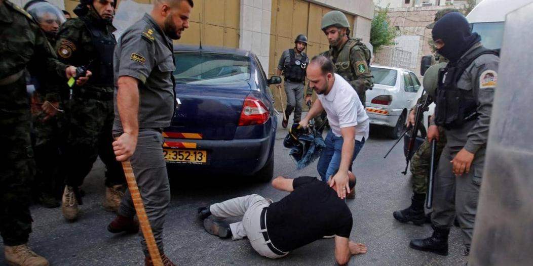 الأمن الفلسطيني يقبض على المجاهرين بالإفطار ويمنعهم من صلاة العيد