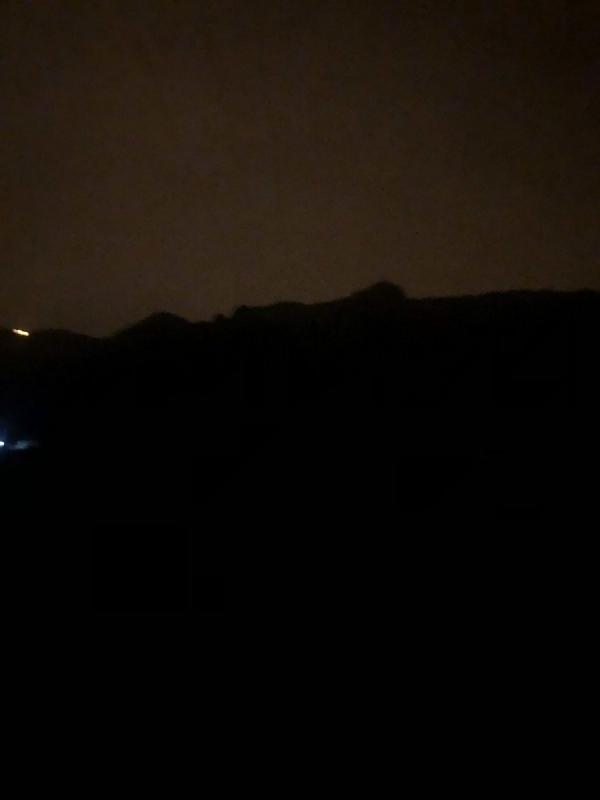 سبت الكهرباء .. أكثر من 10 ساعات من الظلام واعتذار يتيم من الشركة!