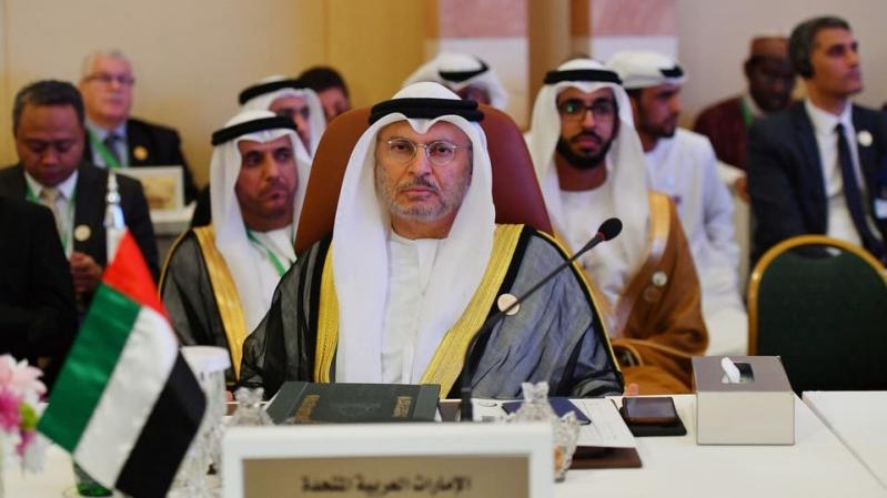 قرقاش: إعلام قطر يروج لأخبار كاذبة حول وجودي بالسودان
