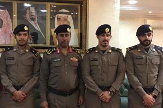 مدير مدني الطائف يُقلد عددًا من خريجي كليه الملك فهد الأمنية رتبهم - المواطن