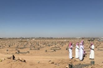 توفيا في نفس اليوم.. دفن طالب ومعلمه بمقبرة واحدة في تبوك - المواطن