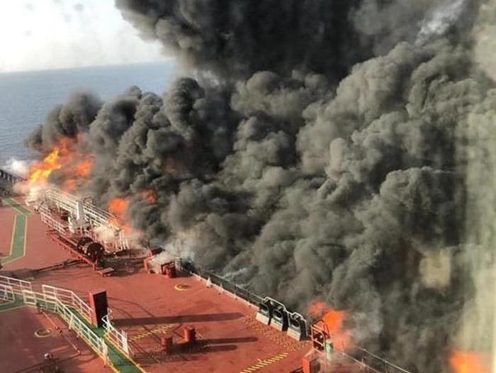 بريطانيا: الحرس الثوري هاجم ناقلتي النفط في خليج عمان