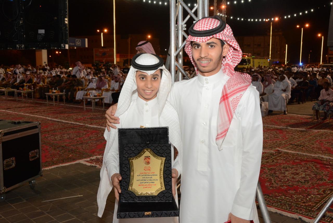 قصائد وعروض شعبية ضمن احتفال أهالي محايل بعيد الفطر - المواطن