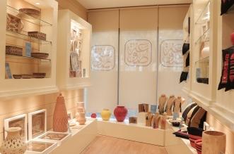 صور.. السياحة تفتتح أول متجر لبيع منتجات الحرفيين والحرفيات في السعودية - المواطن