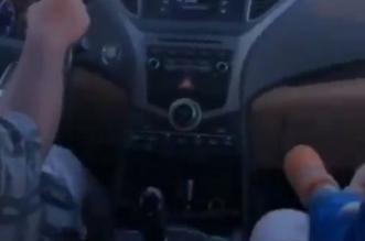 فيديو.. متهور يقود بسرعة جنونية وبجواره طفل رضيع - المواطن
