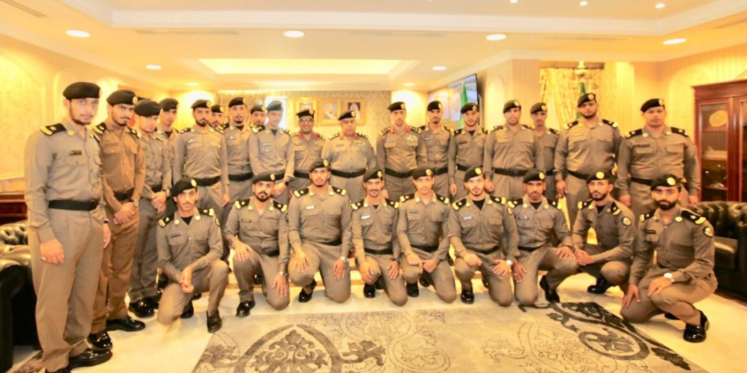 مدير شرطة مكة المكرمة يقلد عدداً من الضباط رتبهم الجديدة