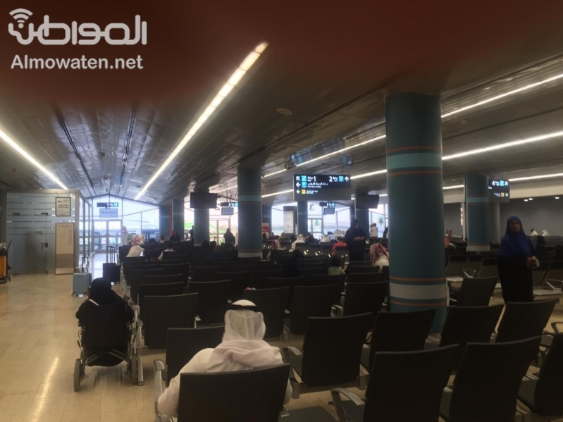 """""""المواطن"""" تتجول في مطار أبها .. المسافرون آمنون وليخسأ الحوثيون"""