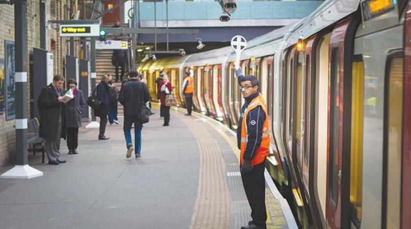 الازدحام يُخلي محطة مترو أنفاق في لندن